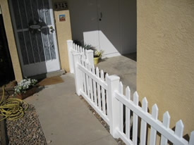 Spade top picket fence